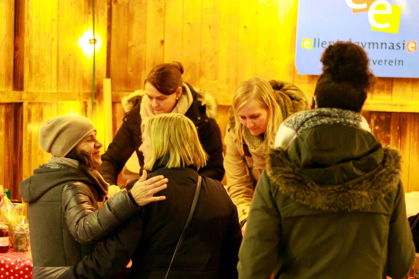 Plätzchen, Waffeln & Gelée: mit viel Spass und tollen Helfern auf dem Sternlesmarkt 2019